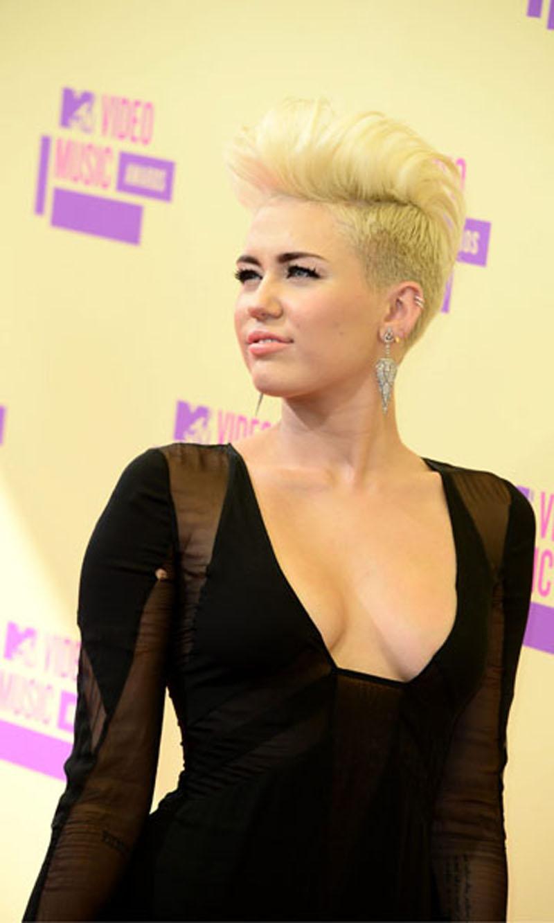 Tia Cyrus hat diese in Ihrem Kopf