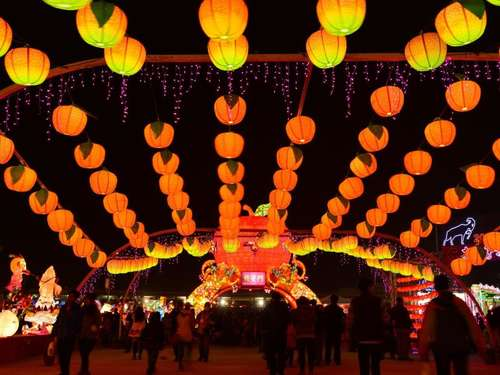 Laternenfest in Taipeh und Museumsmonat in Seattle