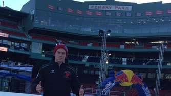 Red Bull Crashed Ice in Boston - Rosenheimer Luca Engler vorne dabei