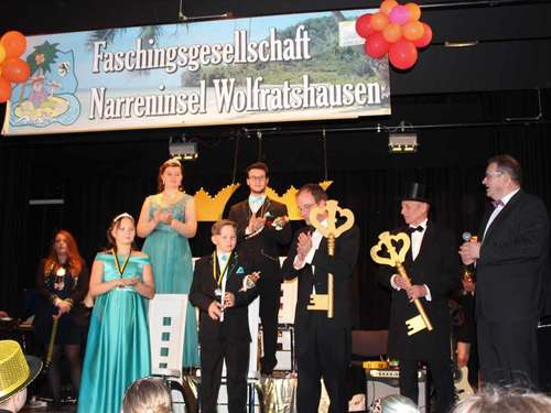 Narreninsel inthronisiert zwei Prinzenpaare